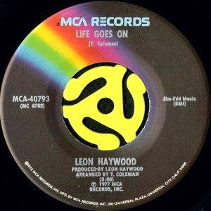 画像1: LEON HAYWOOD / LIFE GOES ON (45's) (1)